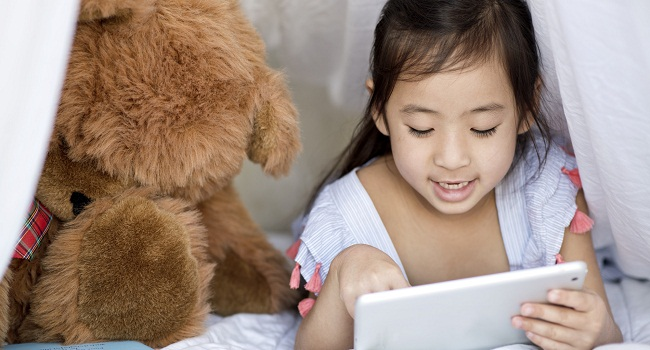 Why a tablet can be a good gift for your child
