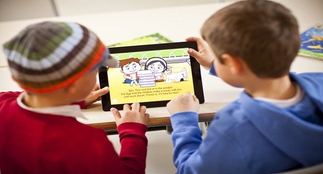 Kids play with Tablet