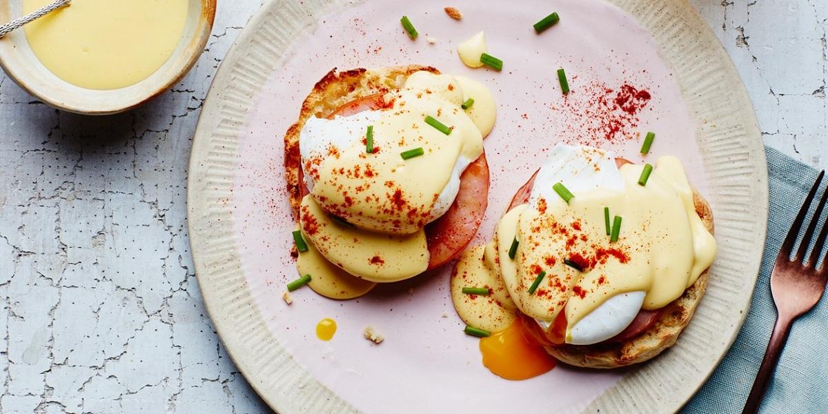 HCG Diet Scrambled Eggs Florentine
